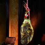 Qué características tiene un jamón ibérico curado en Guijuelo