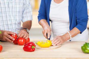 Descubre cómo llevar una dieta sana durante la menopausia
