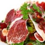 ¿Cómo mejorar las ensaladas con jamón ibérico?