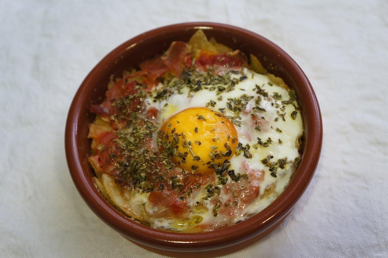 Huevos al plato con jamón ibérico