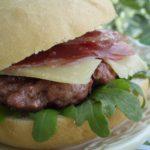 Hamburguesas rellenas de jamón ibérico