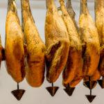 Descubre en qué consiste el delicado proceso del lavado del jamón ibérico